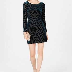 [Vince Camuto] Green Velvet Burnout Dress